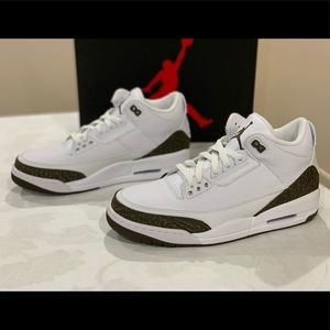 Air Jordan 3 Retro White Mocha Sneaker